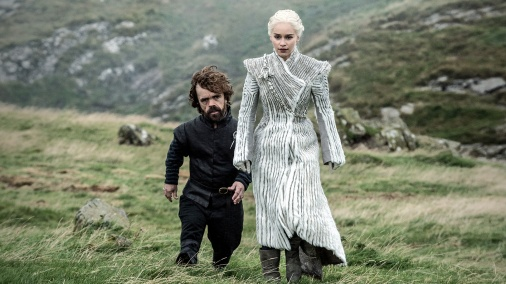 Tyrion-Daenerys-White-Outfit-Beyond-the-Wall.jpg